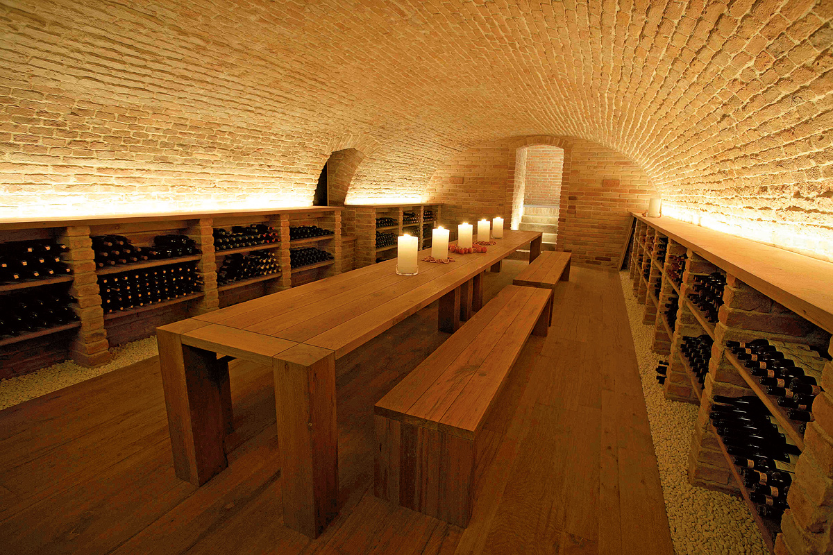 SILVESTRIN Design: Wine Tavern